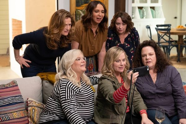 Amy Poehler's 'Wine Country' Trailer Is the 'SNL' Reunion of Your Dreams