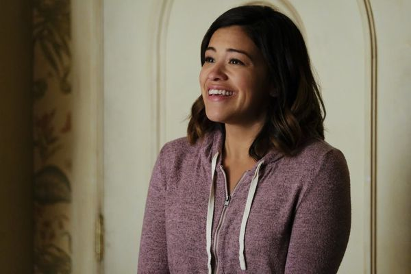 The 'Jane the Virgin' Cast Is *Very* Emotional Over Their Final Table Read