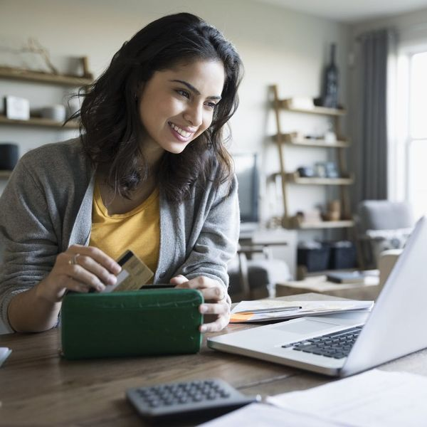 3 Ways to Keep Your Finances on Track This Year