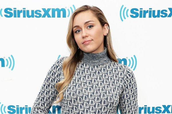 Miley Cyrus Perfectly Shut Down Pregnancy Rumors Using the World Record Egg Meme