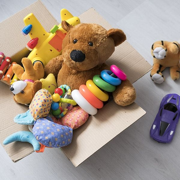 9 Ways to Deal When Your Kid Has Too Many Toys