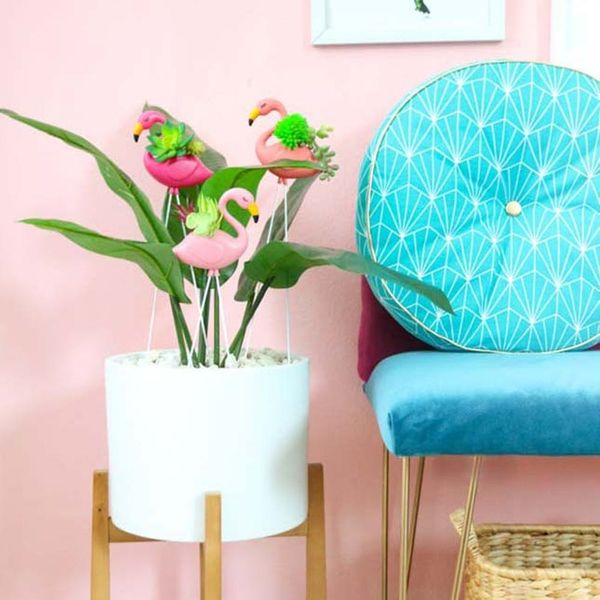 Tiny Patio Decor, Faux Planters, and More Weekend Craft Projects