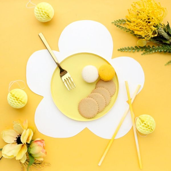 Easy Paper Flower DIYs, Plus More Simple Springtime Crafts for the Weekend