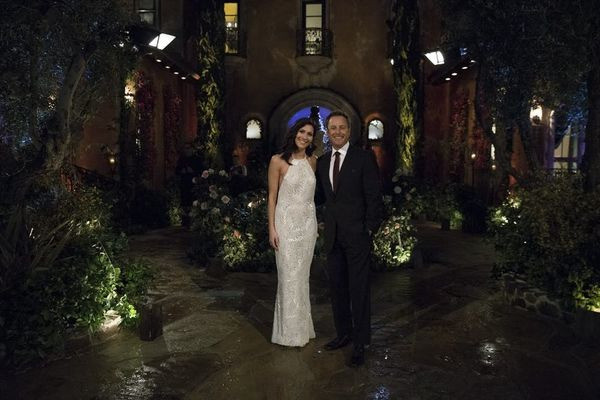 Chris Harrison Hopes to Get Back Into the 'Bachelor' MansionFollowing Wildfire Damage