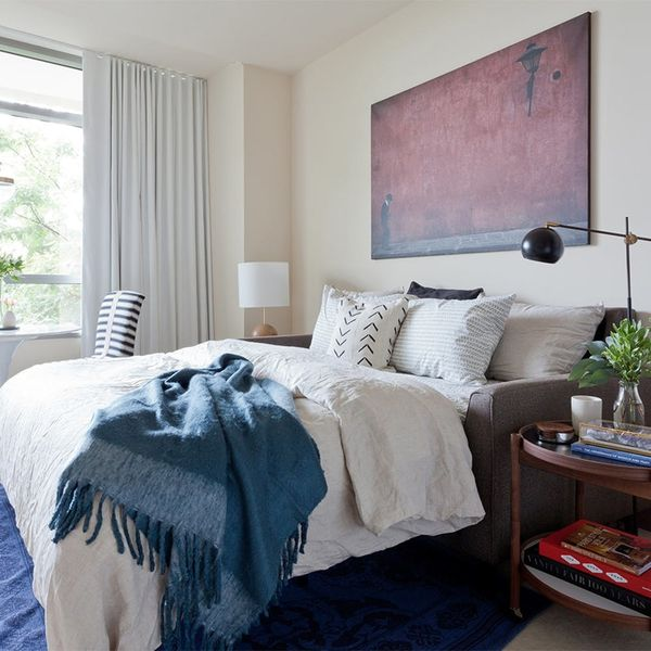 The 5 Easy Guest Room Decor Hacks You Need to Know This Holiday Season