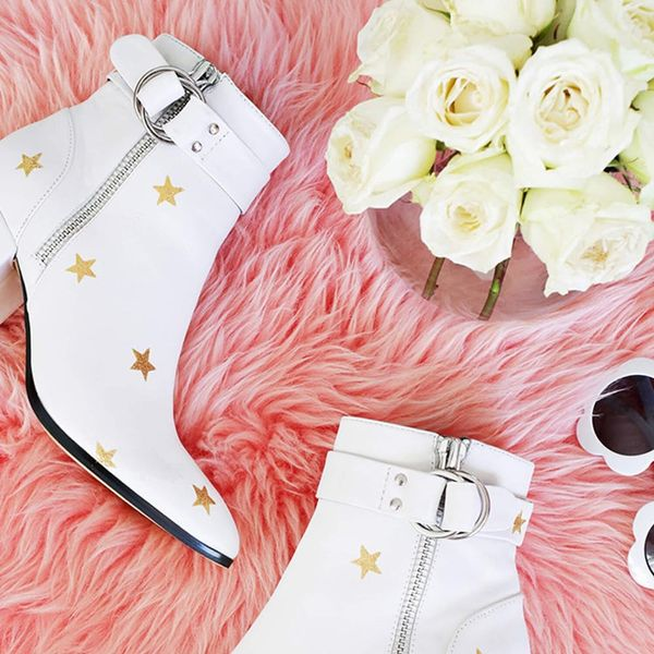 Glitter Boots, Pom Umbrellas, Turban Headbands, and More Weekend Craft Projects