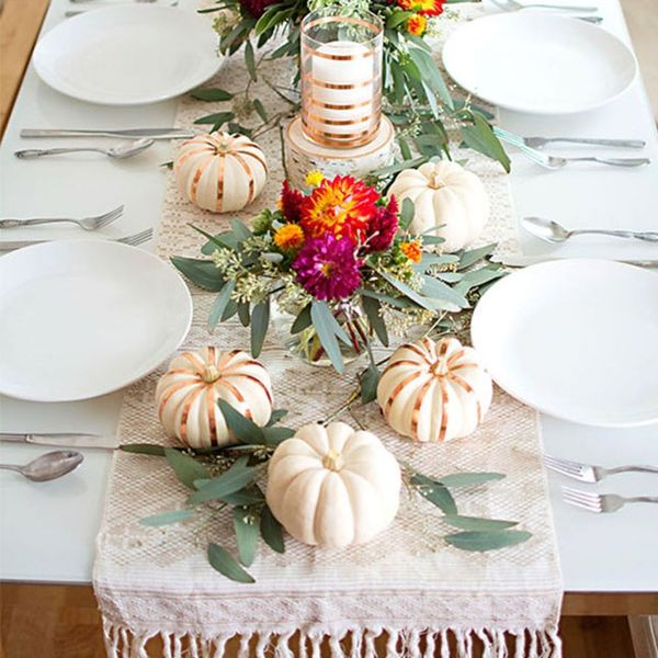12 Genius Thanksgiving Tablescapes That Will Give You Major Inspo