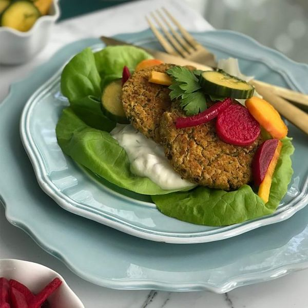 """Make These Healthy and Delicious Oven-""""Fried"""" Falafels in No Time at All"""