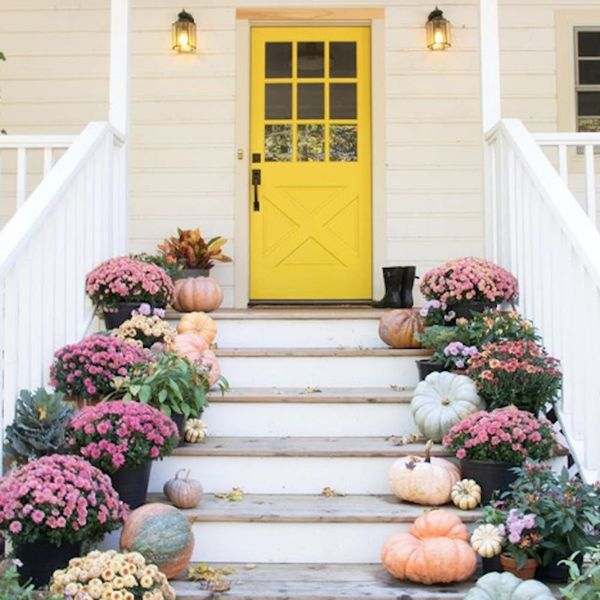 The Instagram Fall Porch Trend We Can't Get Enough Of