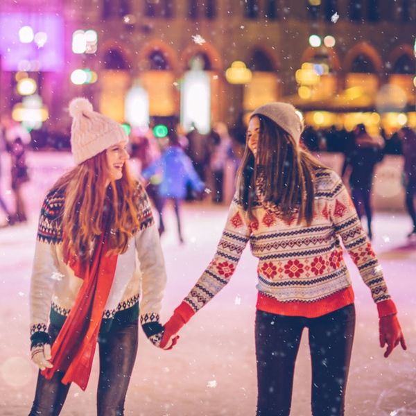 6 Ways to Celebrate the Holidays With Someone Who Doesn't Want Gifts