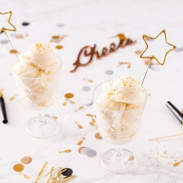 14 Glittery (and Totally Edible!) Treat Recipes for a Gilded New Year's Eve