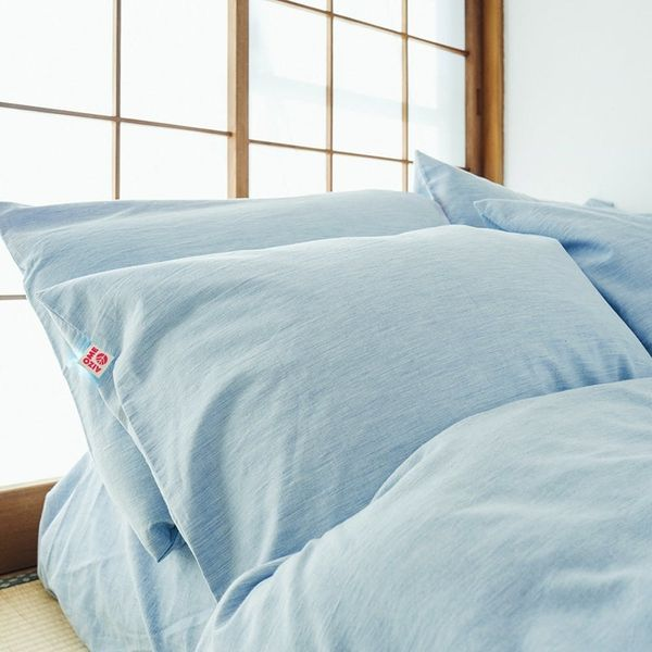 These Indigo-Dyed Japanese Sheets Might Be the Answer to Your Skin Issues
