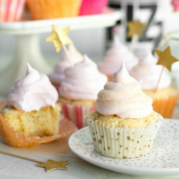 15 Champagne Cupcake Recipes for a Poppin' New Year