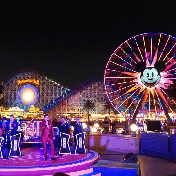 25 Wonderful Things to Experience at Disneyland This Holiday Season