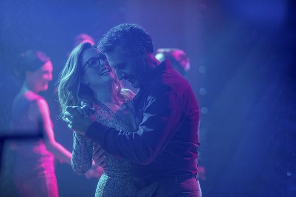 Why Julianne Moore's New Movie 'Gloria Bell' Is 'Miraculous' in Its Intimacy