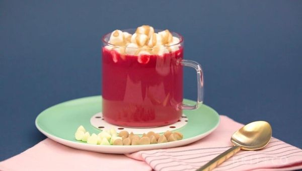 HERSHEY'S Red Velvet Hot Chocolate With Salted Caramel Marshmallows