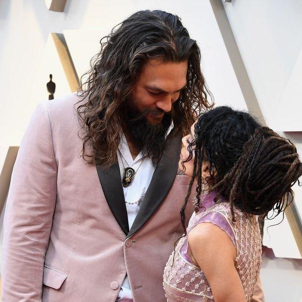 Jason Momoa Holds Lisa Bonet's Pink Clutch — and Wins the Oscars 2019 Red Carpet
