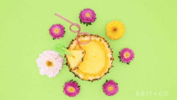 How to Make Pineapple Margaritas