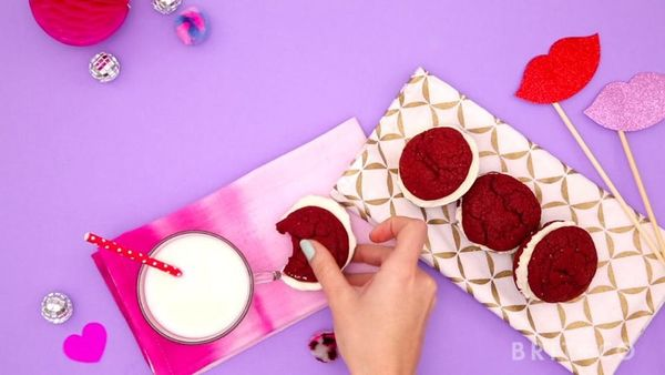 How to Make Red Velvet Whoopie Pies