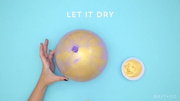 How To Make Gold Dipped Balloons