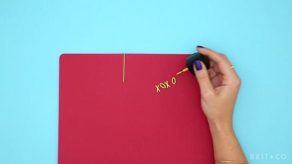 How To Trick Out Your Bobby Pins