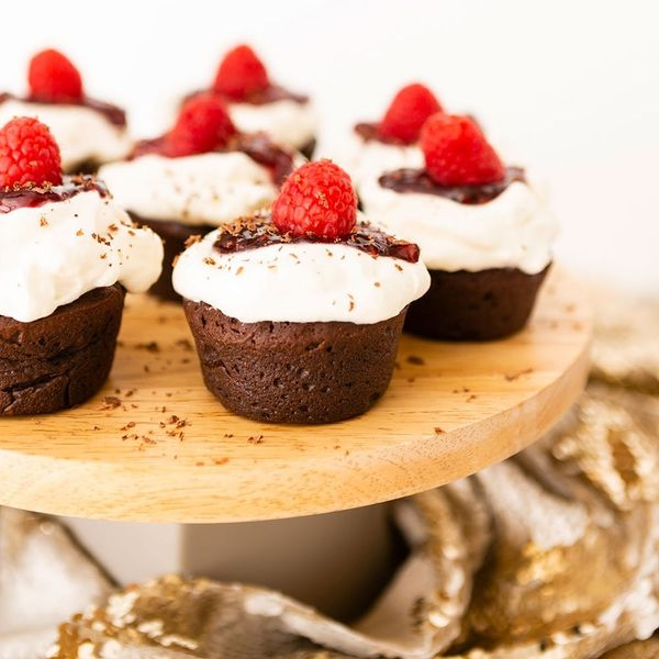 These Gluten-Free Chocolate Cupcakes Curb Cravings Without Blowing Your Diet