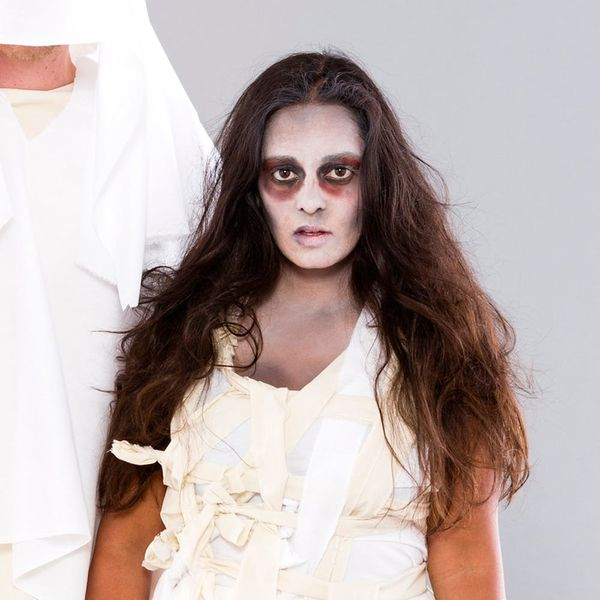 This DIY Mummy Halloween Costume Is Perfect for Lazy Girls