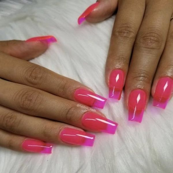 The Newest Instagram Nail Trend Is So Totally '90s Extra