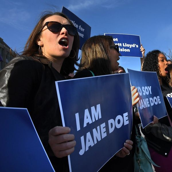 """Detained Teen """"Jane Doe"""" Has Obtained an Abortion, Following a Lengthy Court Battle"""