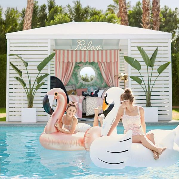 12 of the Most #Extra Pool Floats for Summer