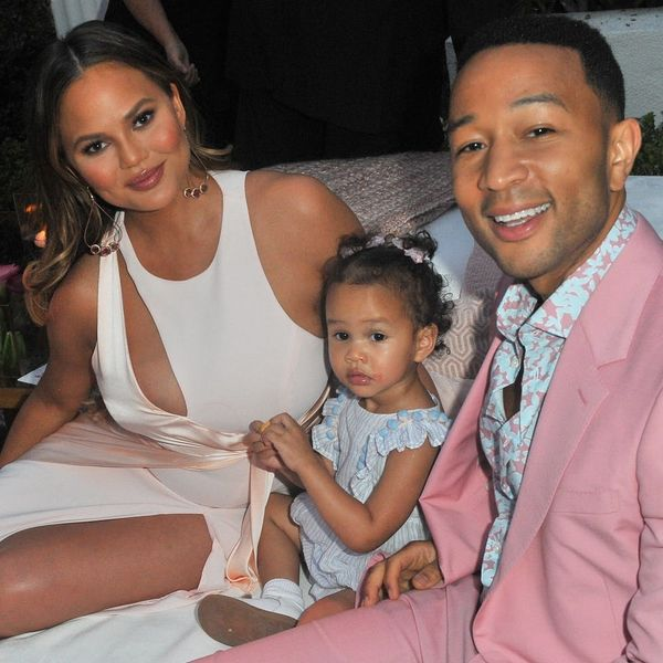 John Legend Hilariously Responded to Chrissy Teigen Trolling Him With 'Arthur' Memes