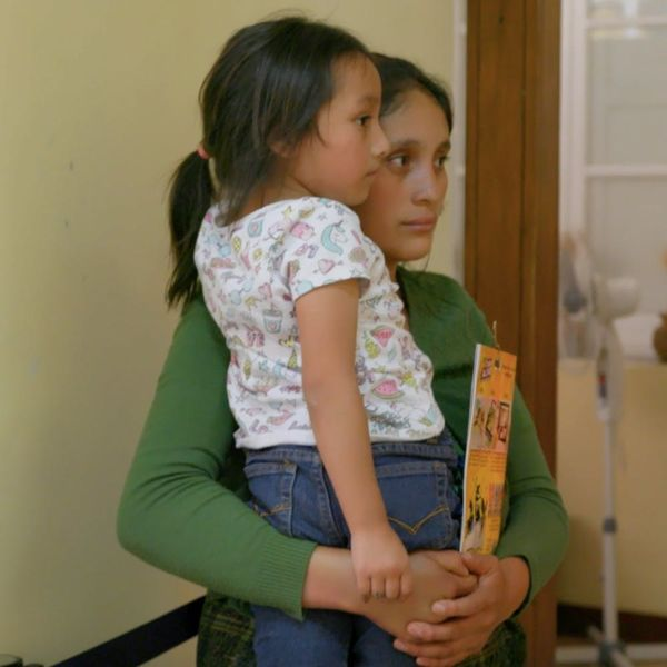 VIDEO: 6-Year-Old Guatemalan Girl Reunites With Her Parents After 7-Month Detention by US