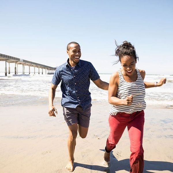 6 Expert Tips for Finding Love While You're Traveling