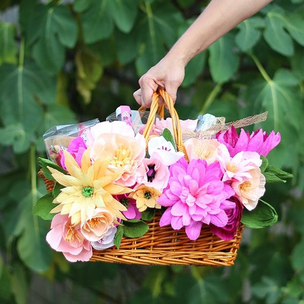 17 Stylish Picnic Baskets You Can Buy or DIY