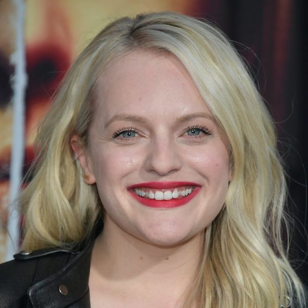 See the Trendy Hue Elisabeth Moss Just Swapped Her Blonde Locks For