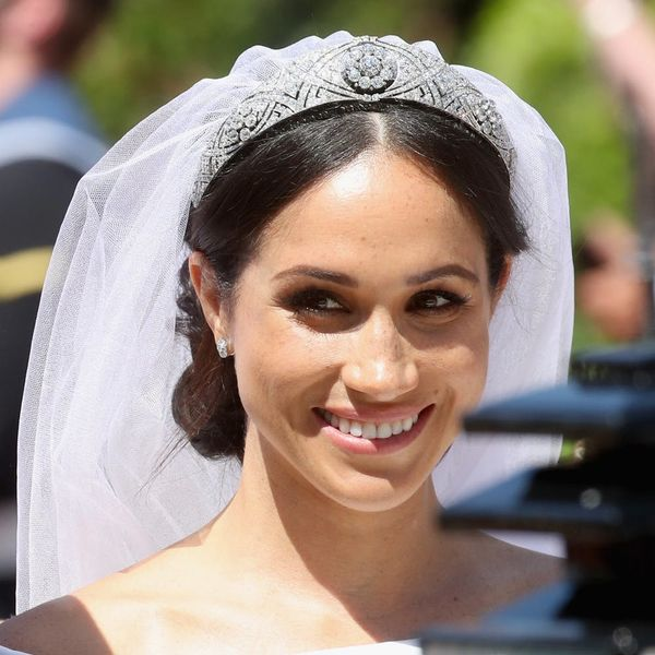 This Replica of Meghan Markle's Wedding Gown Costs Less Than $1,500
