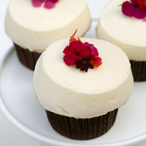 The New Cupcake from Sprinkles Is Like a Mini Royal Wedding Cake