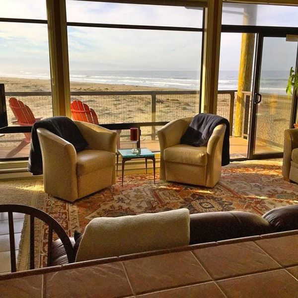 8 Beachfront Airbnbs for Your Next Relaxing Summer Vacation