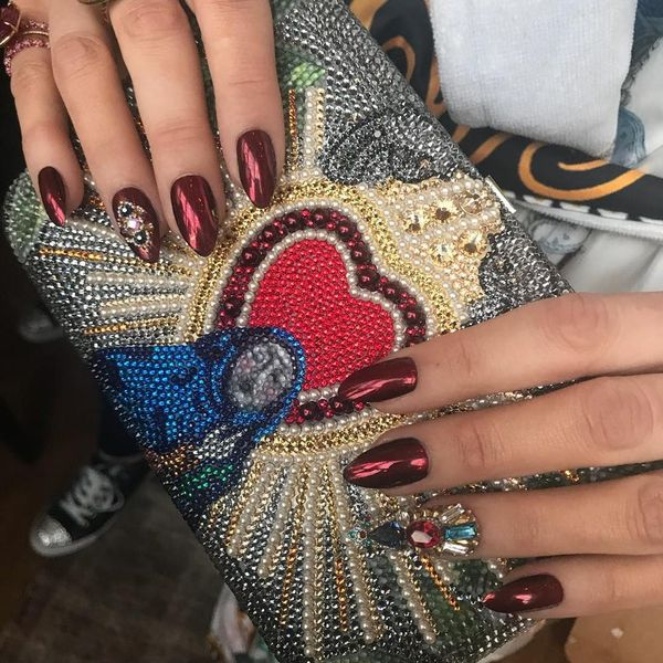 You Have to See Blake Lively's Stained Glass Mani for the Met Gala 2018 Red Carpet