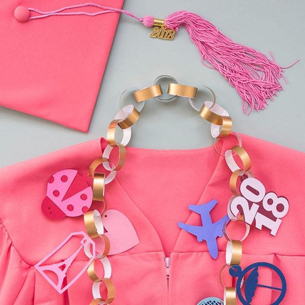 12 Ideas to Host an Elle Woods-Inspired Graduation Party