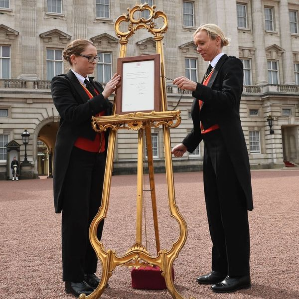 See theOfficial Royal Baby Announcement Outside Buckingham Palace