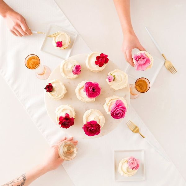 These Floral Cupcakes Sweeten Any Royal Wedding Viewing Party