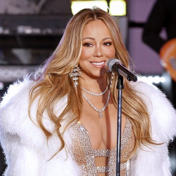 Mariah Carey's NYE Performance Sparked the First Meme of 2018