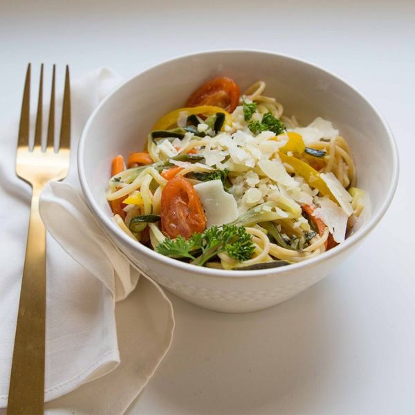 Try This Olive Garden-Inspired Spiralized Primavera Pasta Recipe