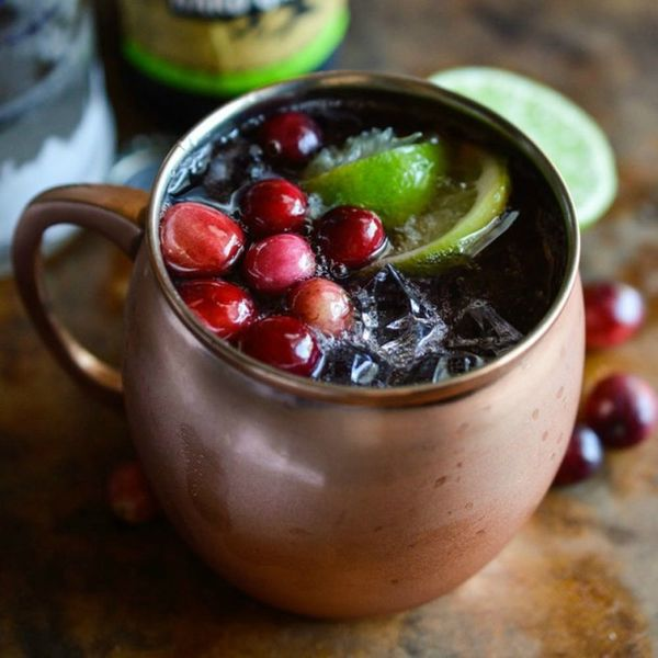 13 Cranberry Cocktails That Will *Instantly* Liven Up Your Friendsgiving