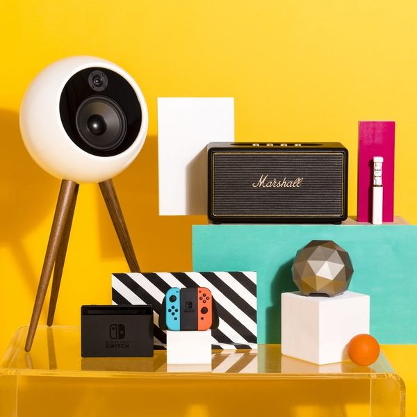The 2017 Holiday Gift Guide for the Early Adopter Techie in Your Life