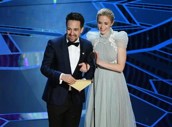 Emily Blunt and Lin-Manuel Miranda Sing Aladdin's 'A Whole New World'