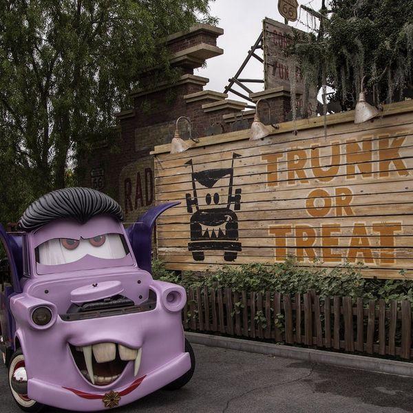 25 New Treats to Eat and See at Disneyland This Halloween Season