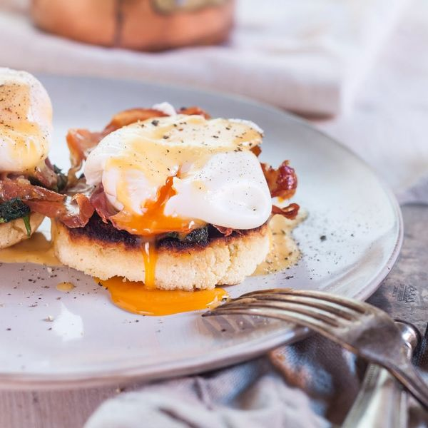 So THIS Is How Chefs Really Cook Eggs