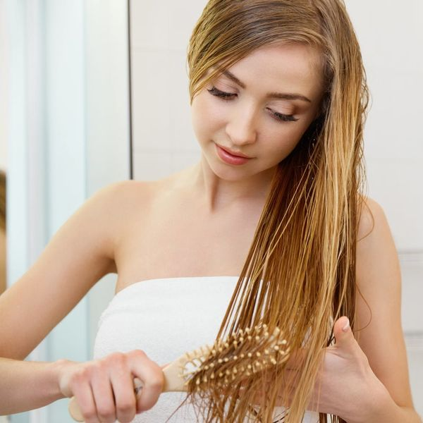 Find Out the Best Way (and Place) to Detangle Knotted Hair